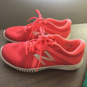 Worn once! Neon pink new balance sneakers 👟